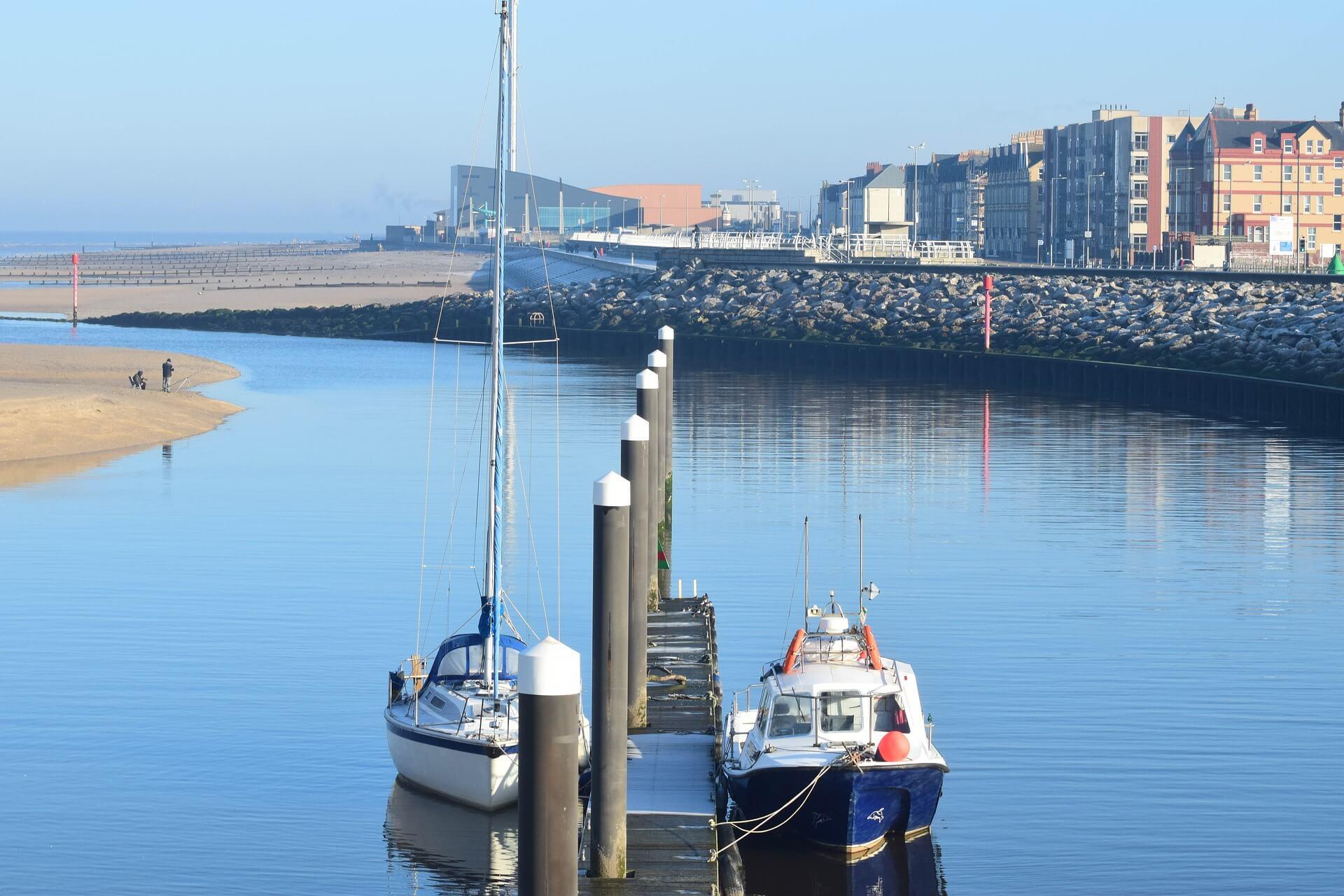Rhyl Harbour, ales