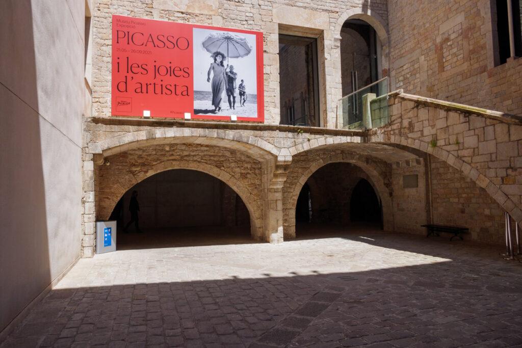 Entrance of Museu Picasso de Barcelona